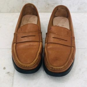 TOD'S {10.5} Driving Penny Loafer Caramel Brown